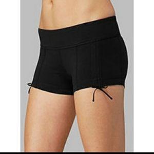 Lululemon Liberty shorts in Black size 2
